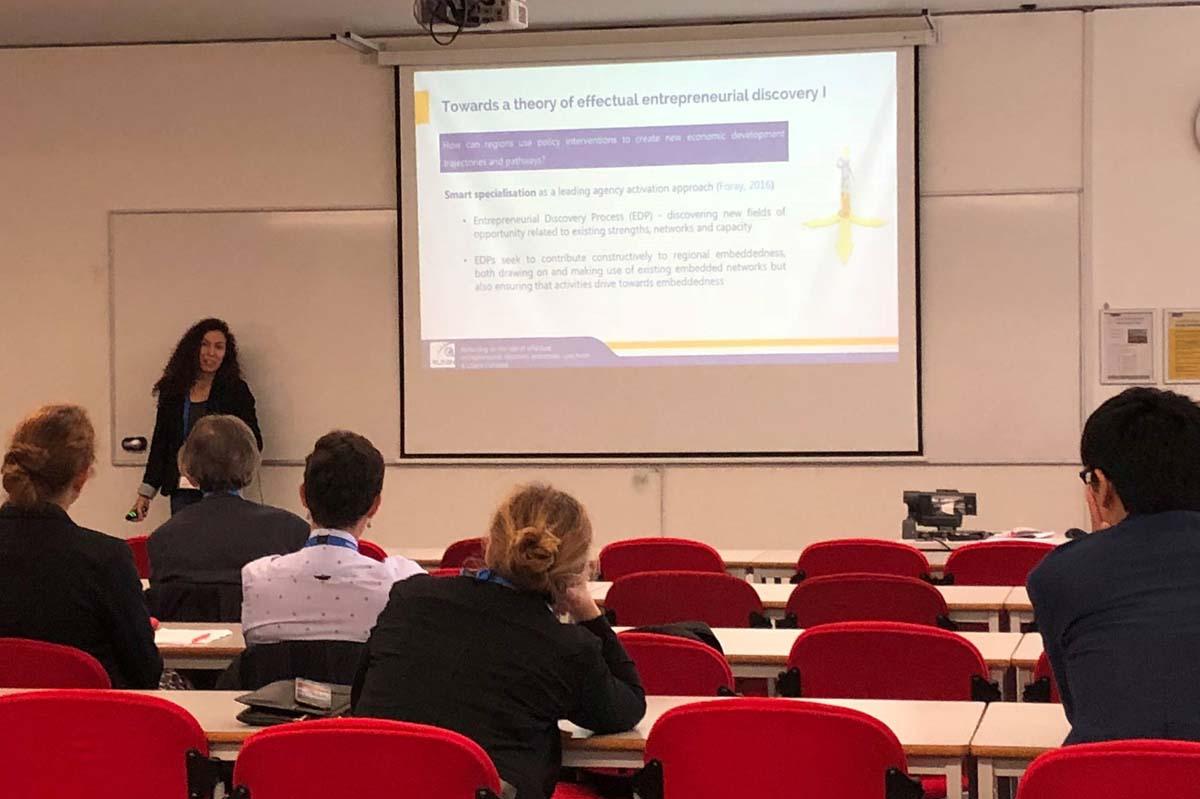 Liliana Fonseca presenting at THC2018